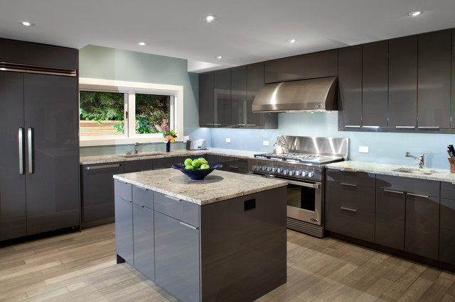 Garden House - kitchen - Modern - Kitchen - Vancouver - by Best Builders ltd