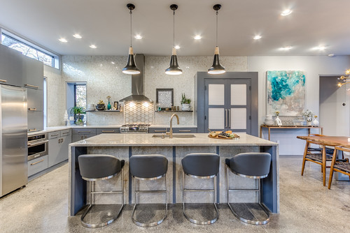 How Many Pendants Do You Hang Over a Kitchen Island?