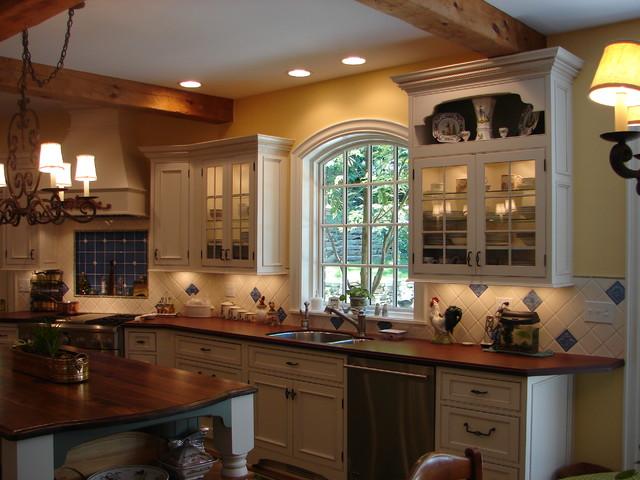 Gates Mills Kitchen traditional-kitchen