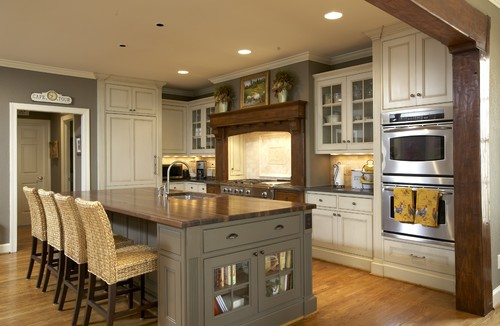Craftsman kitchens for Different kitchen colors