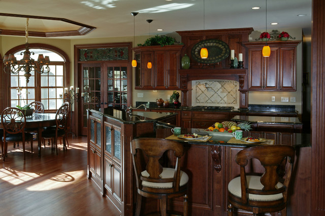 Georgian style new construction traditional kitchen for Georgian style kitchen designs