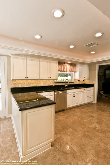 Giezeking Waypoint Home Remodel traditional-kitchen