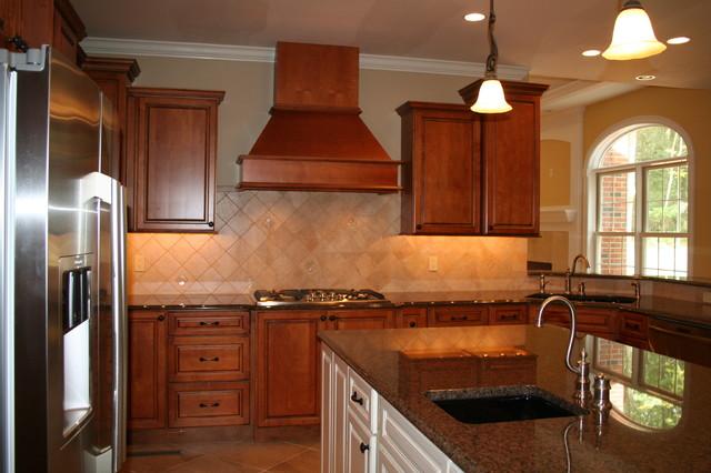 Traditional Kitchen Bridgeport By Viking Kitchen Cabinets