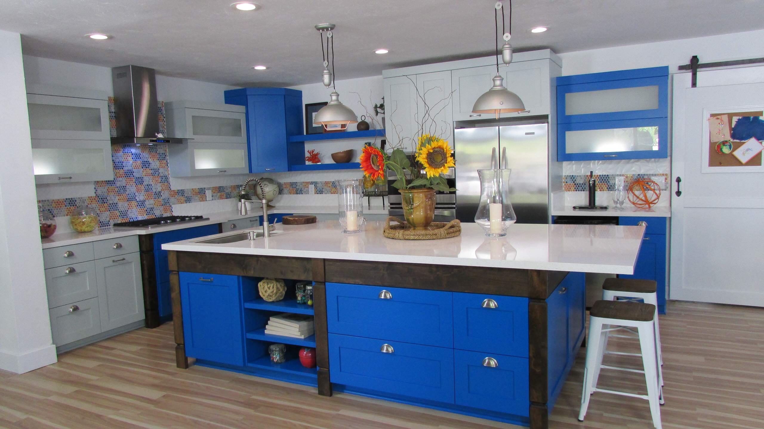 """Gigantic Blue Island Kitchen"" Kitchen Crashers 704"
