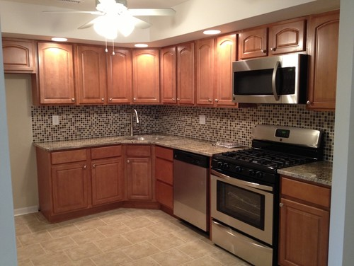 What flooring was used? Need ideas to go with toffee maple ... on Granite Colors That Go With Maple Cabinets  id=23664
