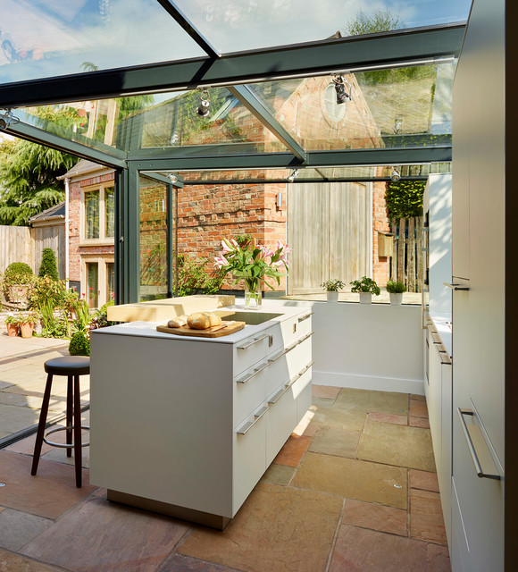 Glass box extension on thatched cottage contemporary for Cottage kitchen extensions