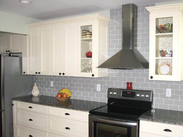 Glass Tile Backsplashes by SubwayTileOutlet traditional-kitchen