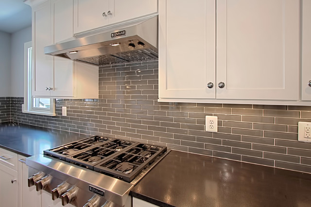 Glass Tile Behind Jenn Air Gas Cooktop Contemporary