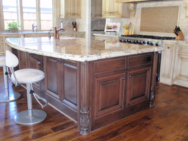 Glazed Kitchen traditional-kitchen