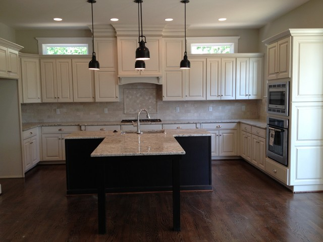 Glazed Painted Cabinets With Dark Island Traditional Kitchen Richmond By Elite Kitchen