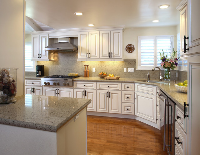 Glen Eagle Residence traditional-kitchen
