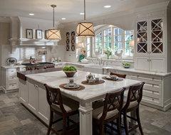 Glen Ellyn, IL White-Washed Sleek Traditional Kitchen traditional-kitchen