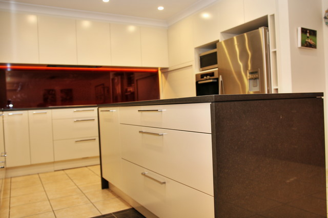 Glenwood kitchen renovation sydney 2768 modern kitchen for Kitchen remodelling sydney