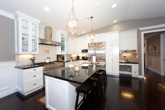 Globus Builder traditional-kitchen