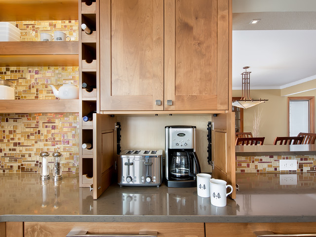 Tiny Craftsman Comes With Espresso Station: Golden Kitchen