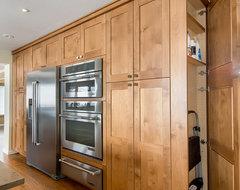 Golden Kitchen craftsman-kitchen