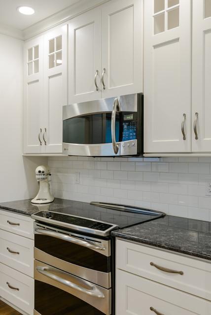 Golden Marinace Silver Pearl Granite Kitchen Modern