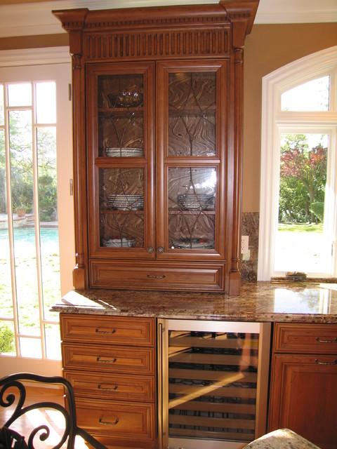 Gonzalez traditional-kitchen
