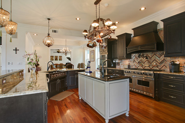 Gourmet Kitchen Traditional Kitchen New Orleans By Vision Investment Group Nola