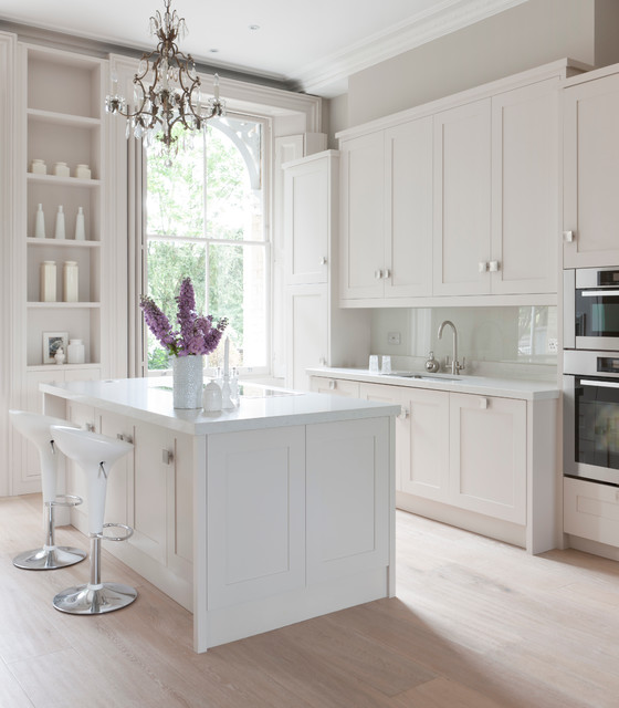Inspiration For A Contemporary Kitchen Remodel In London With An Undermount  Sink, Shaker Cabinets,