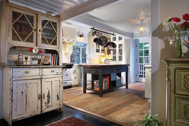Graceland Historic Cottage - Shabby-chic Style - Kitchen - orange county - by CCH Design Inc.