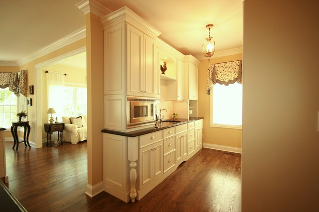 Gracious Living traditional-kitchen