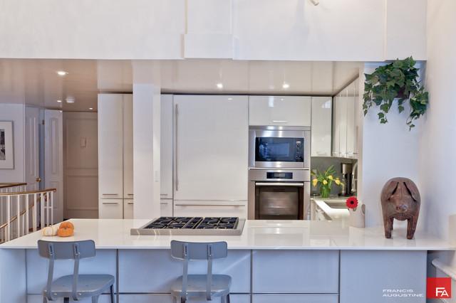 modern kitchen by Marie Burgos Design