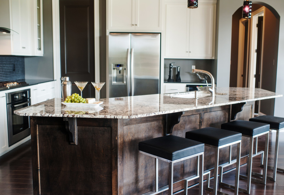 Example of a trendy kitchen design in New Orleans