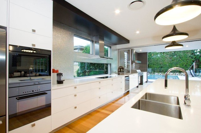 Grange modern kitchen brisbane by j e kitchens and for J pickford bathrooms