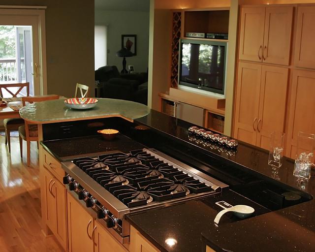 Kitchen Stove and Granite Countertop - Contemporary - Kitchen ...