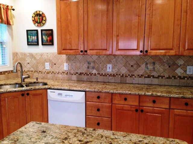 Granite Colors That Work Well With Medium Colored Cabinets