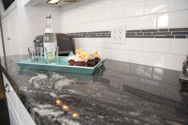 Granite Counters Modern Kitchen Los Angeles By Sh