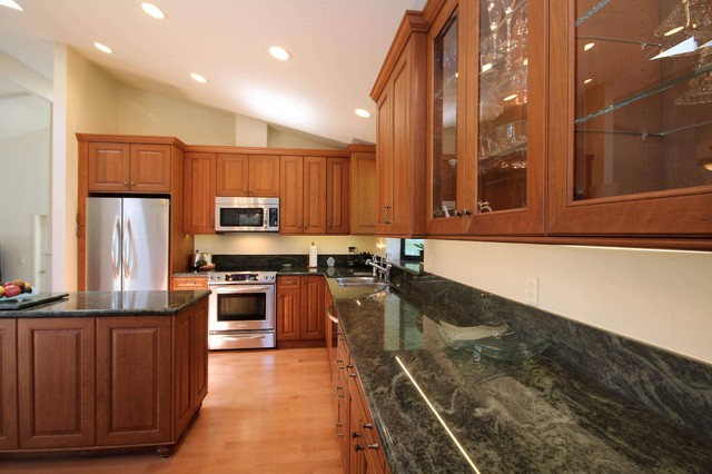 Countertop Microwave Gardenweb : Granite Countertop with Microwave Hood traditional-kitchen