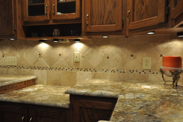 Granite countertops and tile backsplash ideas eclectic for Granite countertop design ideas