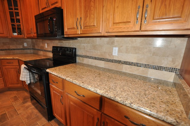 Captivating Backsplash For Santa Cecilia Granite Countertop St Cecilia Granite On Dark  Cabinets Traditional Kitchen Model | For The Home | Pinterest | Kitchen  Models, ...