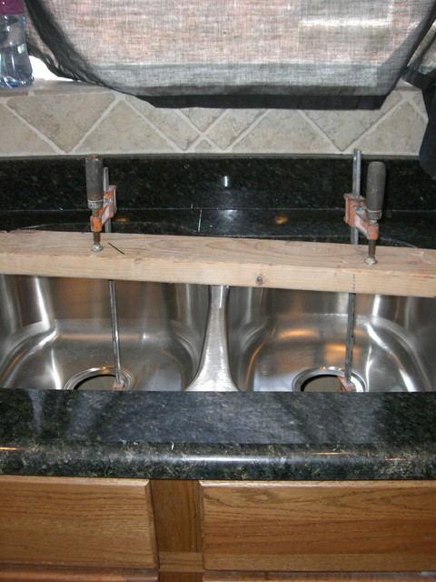 Granite Countertops & Vanities traditional-kitchen