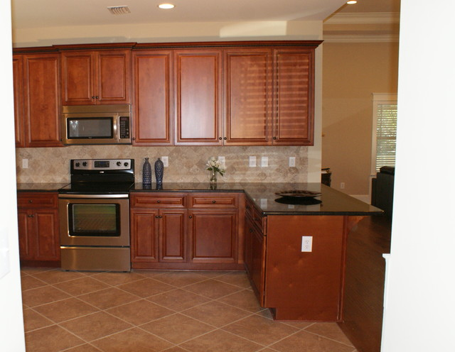 Granite countertops traditional-kitchen