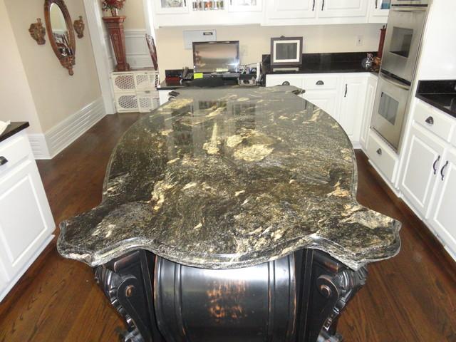 Granite traditional-kitchen