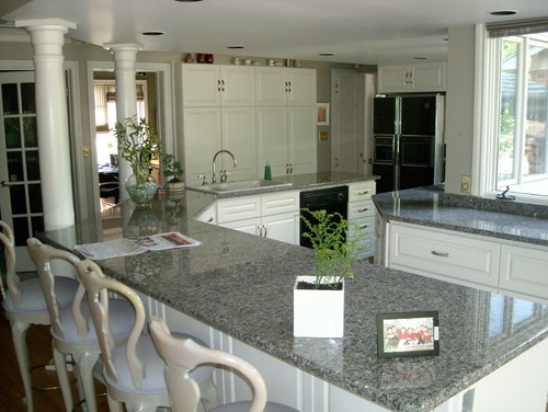 white kitchen cabinets with new caledonia granite wisdom of gray new caledonia granite countertop 29035