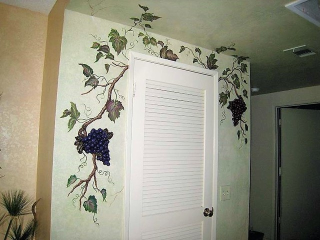 Grapes And Grapevine Mural Traditional Kitchen Los