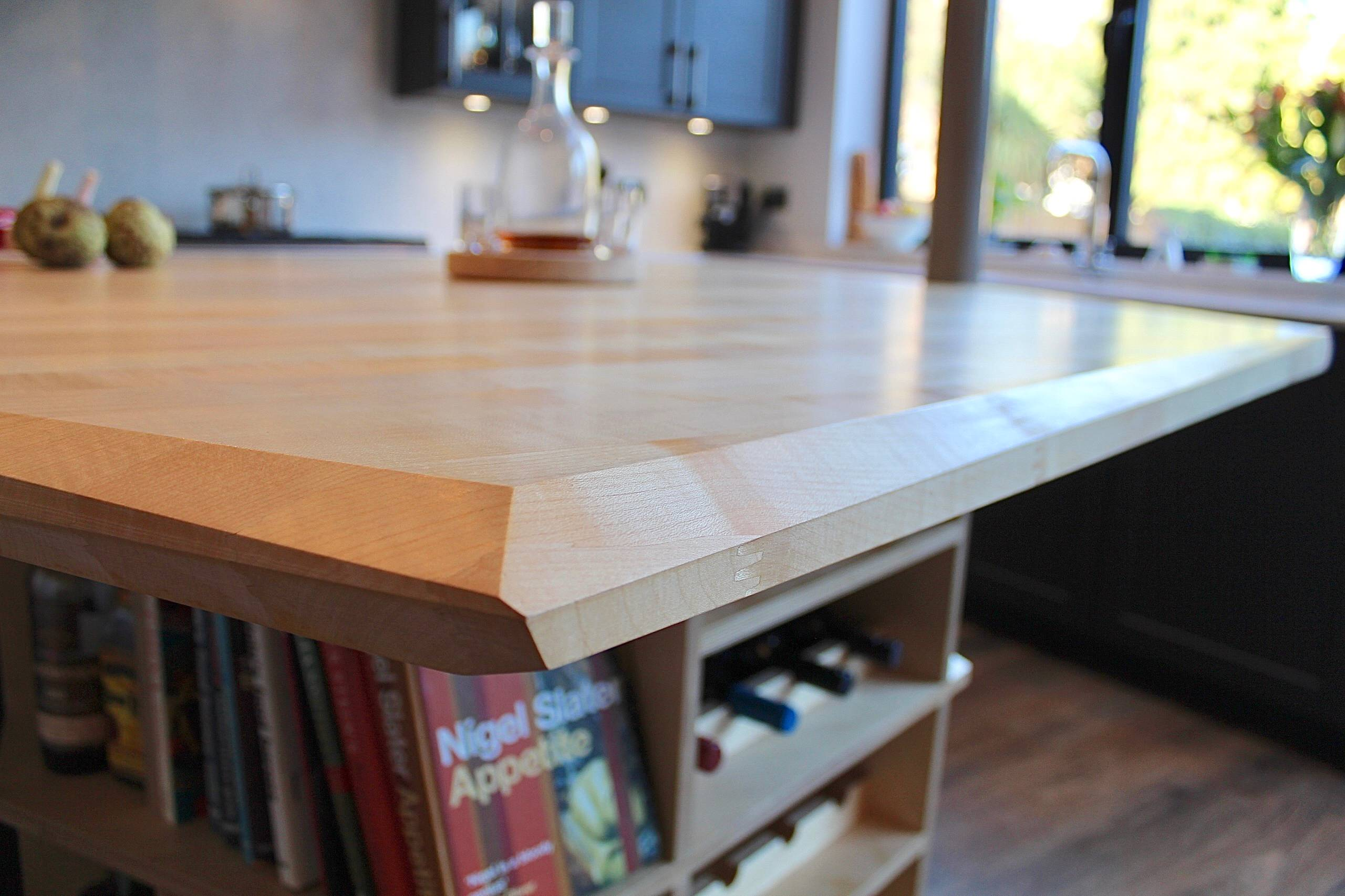 Graphite Shaker with Maple Island