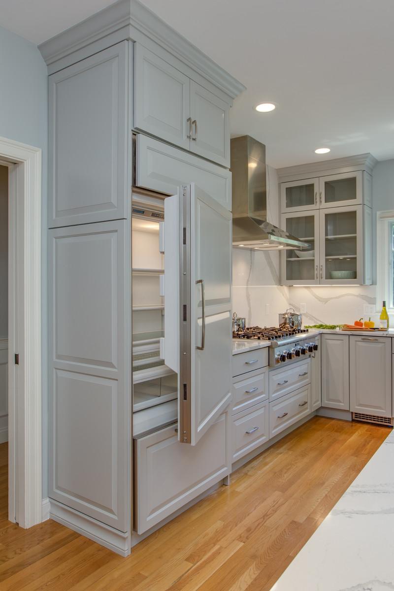 Gray Transitional Kitchen With Full-Height Backsplash ...