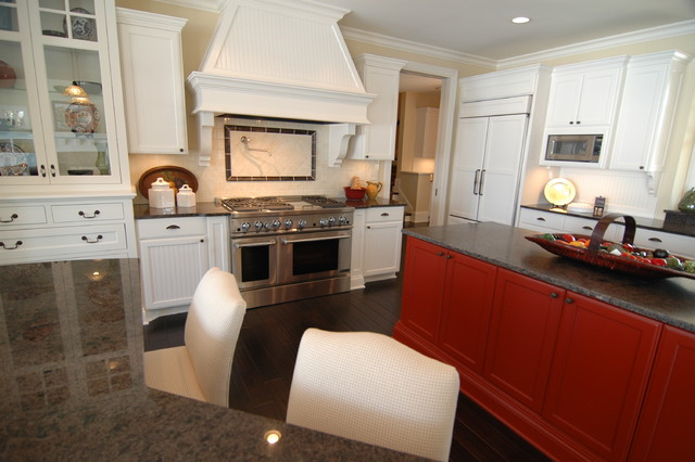 Grays Bay Residence traditional-kitchen