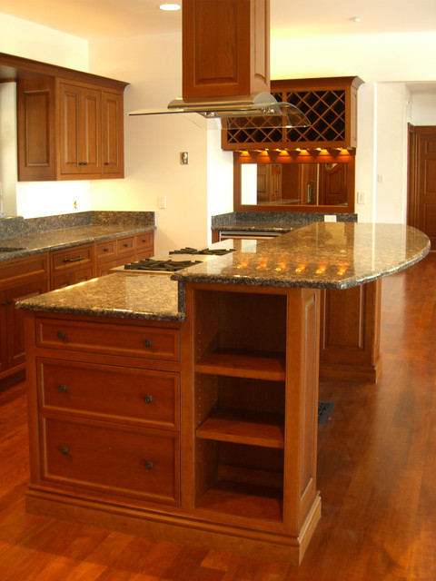 Great Diamond Island Home Traditional Kitchen