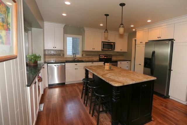 Overland Park Ks Traditional Kitchen Kansas City By Mission Kitchen Bath