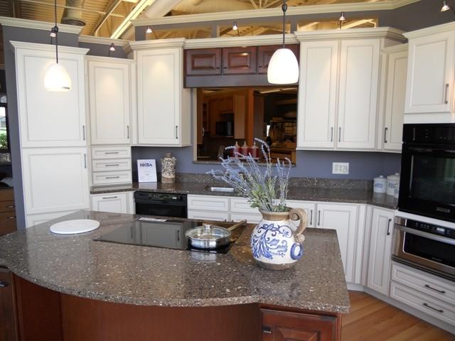 Great Kitchens & Baths Showroom traditional-kitchen