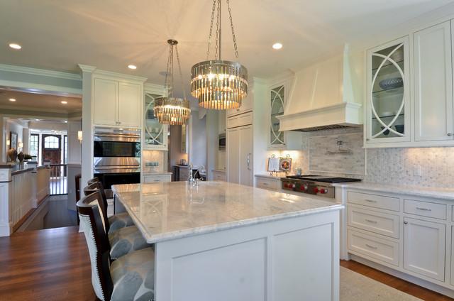 Great neighborhood homes traditional kitchen for Traditional home great kitchens