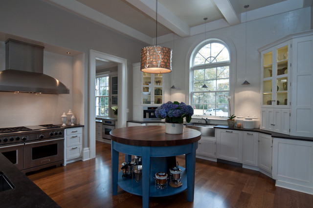 Great View Of The Round Island Traditional Kitchen