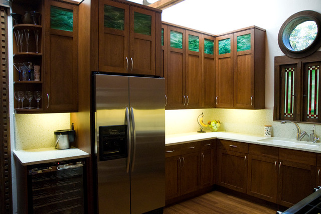 Green Green traditional-kitchen