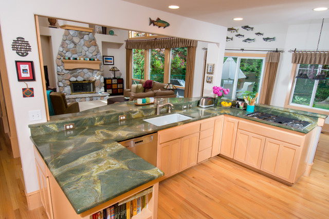 Green Lightning Granite Countertop Contemporary Kitchen